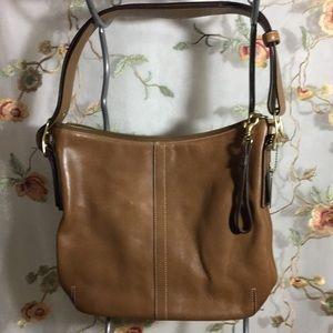 ✨Coach Tan Leather Slim Duffle Crossbody Bag 9328